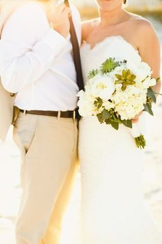 Beach Wedding Bouquet. Photography: Christopher Nolan Photography - christophernolanphotography.com  Read More: http://www.stylemepretty.com/2013/12/27/halekai-iii-house-wedding/