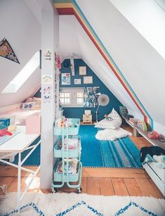 Lovely Top 44 Rainbow Bedroom Decor for Girl Kid's Ideas - Decorate Your Home Attic Bedrooms, Girls Bedroom, Bedroom Decor, Bedroom Colors, Girls Room Paint, Rainbow Bedroom, Attic Playroom, Ideas Hogar, Childrens Room Decor