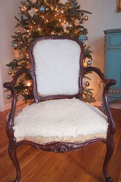 Stripping Repairing And Upholstering A French Chair Part 1