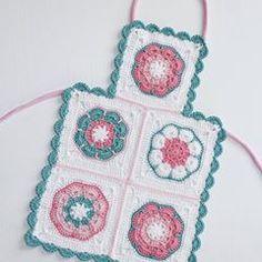 Küçük bir hanım için annesi ile takım mutfak önlüğü ☺ #örgü#tığişi#tigisi#elisi#elişi#knit#knitting#knitter#knittersofinstagram#crochet#crocheting#crochetlover#crochetaddict#yarn#yarnaddict#battaniye#bebekbattaniyesi#blanket#babyblanket#sipariş#siparişalınır#ceyiz#ceyizhazirligi#çeyiz#çeyizhazırlığı#ceyizönerisi#çeyizönerisi#order