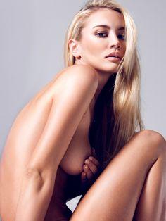 Bryana-Holly-Treats-nude-sideboob