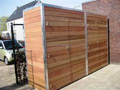 Strakke tuinkast voor loungekussens en tuingereedschap