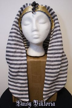 Egyptian Head Coverings – Kerchief, Khat, Nemes   Polka Dot Panther - Medb ingen Echuid Bible Study Crafts, School Costume, Night At The Museum, Kerchief, Costumes, Cover, Projects, Outfits, Log Projects