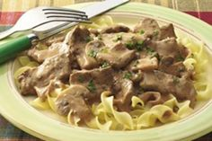 Weight Watchers Recipes, Beef Stroganoff Adapted For The Weight Watchers Diet Plan. Free Weight Watchers Recipe For Beef Stroganoff And Only 7 SmartPoints Per Serving. Points Plus Recipes, Ww Recipes, Light Recipes, Cooking Recipes, Healthy Recipes, Skinny Recipes, Lunch Recipes, Vegetarian Recipes, Beef Recipes