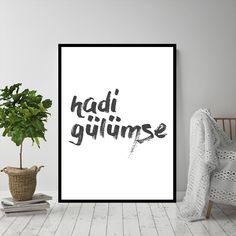 Hadi Gülümse. Doovar'dan Türkçe posterler!