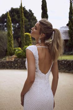 Rylan is a vision of glamour frozen in time and reimagined for the modern vintage bride. Wedding Dress Prices, Affordable Wedding Dresses, Designer Wedding Dresses, Wedding Stuff, Messy Ponytail Hairstyles, Casual Hairstyles, Bridal Stores, Bridal And Formal, Bridal Looks