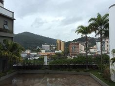 Vista do Shopping Várzea Teresópolis.