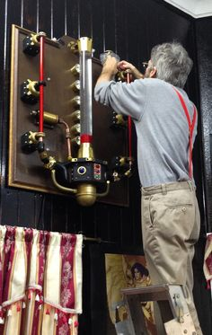 Ged Maybury Creates Steampunk Light wall for the Dark Magician