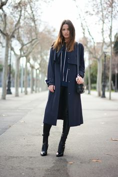 Fashionvibe / Navy.Blue.Trench //  #Fashion, #FashionBlog, #FashionBlogger, #Ootd, #OutfitOfTheDay, #Style