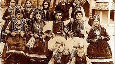 Vlachs in Greece Albanian Culture, Greek Culture, Greece Photography, Vintage Photography, Greek Traditional Dress, Greek History, Folk Clothing, Ethnic Dress, Dance Costumes