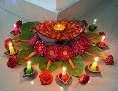 Flower arrangement for Diwali festival Simple Rangoli Designs Images, Rangoli Designs Flower, Colorful Rangoli Designs, Rangoli Designs Diwali, Flower Rangoli, Diwali Flowers, Rangoli Patterns, Diwali Decorations At Home, Festival Decorations