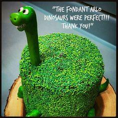 Fondant Arlo, The Good Dinosaur. Dinosaur Cake Easy, Dinosaur Cakes For Boys, The Good Dinosaur Cake, Dinosaur Cake Toppers, Dino Cake, Dinosaur Birthday Cakes, Birthday Cake Girls, Dinosaur Party, 3rd Birthday