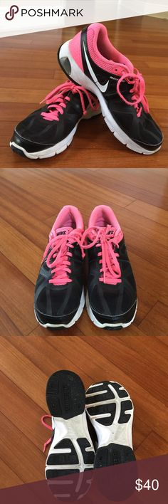 Nike Air Max size 9 Gently used black and pink air max tennis shoes! In great condition, the last pic shows a bit of wear on the top inside of the shoes. Nike Shoes Athletic Shoes