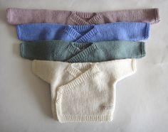 Pasgeboren Kimono Hand gebreide Baby Kimono, hand gebreide baby vest, baby vest, premie baby hand gebreide vest, wol baby cardi, kleding door BabyloveknitsNZ op Etsy https://www.etsy.com/nl/listing/260562516/pasgeboren-kimono-hand-gebreide-baby