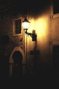 Tarnów, listopad - Poland Star Sky, Mysterious, Night Light, Lanterns, Lamps, Romantic, Magic, Posts, Lights