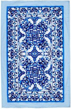 Dolce & gabbana Majolica-Print Towel in Blue (BLUE WHITE)