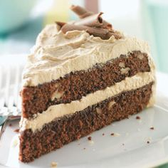 Maple-Mocha Brownie Torte ~ This impressive-looking dessert is simple to make because it starts with a boxed brownie mix. Then the nutty brownie layers are dressed up with a fluffy frosting that has a rich creamy texture and an irresistible maple Dessert Cake Like Brownies, Brownie Cake, Just Desserts, Delicious Desserts, Dessert Healthy, Scones, Cake Recipes, Dessert Recipes, Dessert Ideas