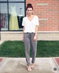 Athleisure Style || Spring Trends || Joggers || How to Style Joggers || Top Knot || Pinned from @trendyinindy Instagram