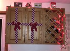 Decorate your cabinets with ribbon