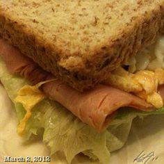 ちょっと遅目の朝ごはん #breakfast #sandwich #philippines