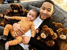 Chrissy Teigen Shares Adorable Photo of John Legend and Baby Miles - Entertainment Dad Baby, Baby Love, John Legends Wife, John Legend Family, Chrissy Teigen Instagram, Chrissy Teigen Style, Fluffy Teddy Bear, Teddy Bears, Wife And Kids