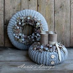 Stunning Christmas Sweater Wreath Advent Candles Decoration Ideas - Page 22 of 55 - Chic Hostess Christmas Advent Wreath, Christmas Candles, Noel Christmas, Christmas Centerpieces, Xmas Decorations, Winter Christmas, Handmade Christmas, Christmas Crafts, Winter Diy
