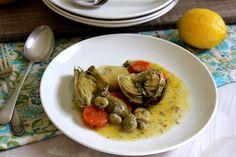 Artichokes with oil and lemon sauce - Vegan
