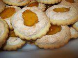 Linecke kolieska s orechovou penou | Mimibazar.sk Muffin, Breakfast, Food, Morning Coffee, Essen, Muffins, Meals, Cupcakes, Yemek