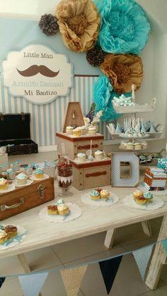 Mesa de postres, decoración  bebé. Baby boy party, rustic, moustache.