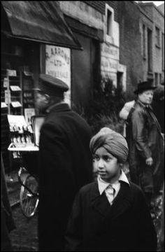 G.B. 1959. England. London. Portobello Road Market. Sergio Larrain