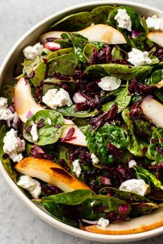 Healthy Superfood Salad, Beet Salad, Spinach Salad Recipes, Healthy Salad Recipes, Honey Balsamic Vinaigrette, Raw Beets, Beet Hummus, Goat Cheese Salad, Appetizer Salads