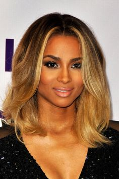 I love this blonde-black look on Cici