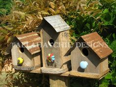 barn birdhouse, rustic decor primitive country, rustic bird house, outdoor gifts for Dad, small barn Outdoor Gifts, Outdoor Decor, Outdoor And Country, Small Barns, Farmhouse Garden, Country Primitive, Metal Roof, Barn Wood, Bird Houses
