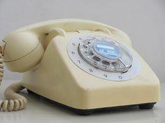 Love vintage style rotary phones