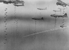 © USAF B-17s from the 545th and 546th BS, 384th BG, bombing Dresden on 17 April 1945.