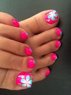 Summer Toe Nails with Flowers via