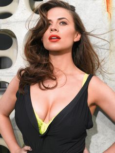 What a rack Hayley Atwell 😍😍😍