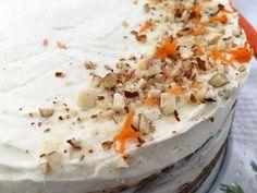 Post: Tarta de zanahoria sin gluten --> carrot dessert, gluten free carrot cake, naked cake, postres sin gluten, tarta americana, tarta de almendras y zanahoria, tarta de zanahorias, tarta sin gluten, carrot cake recipe, healthier carrot cake, soft and moist cake, cream cheese frosting Gluten Free Carrot Cake, Healthy Carrot Cakes, Gluten Free Cakes, My Dessert, Moist Cakes, Cream Cheese Frosting, Feta, Cake Recipes, Carrots