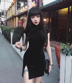 """42.9 mil Me gusta, 243 comentarios - KINA SHEN (@kinashen) en Instagram: """"黑旗袍"""""""