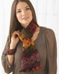 Quick and easy scarf. A great last minute project using a single ball of Bernat Mosiac...Free pattern!