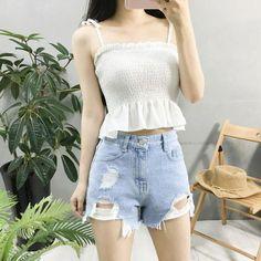 Clothing ideas on korean fashion outfits 286 Korean Fashion Trends, Korean Street Fashion, Korea Fashion, Asian Fashion, Girl Fashion, Fashion Looks, Fashion Outfits, Fashion Design, Fashion Ideas