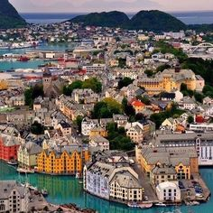 awesome pics: Alesund, Norway