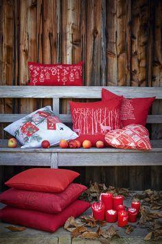 romantische Weihnachtsstimmung auf der Veranda mit Kissen von Apelt, Artikel 8022, 8023, 8024, 8031, TORINO, 7908, 7900