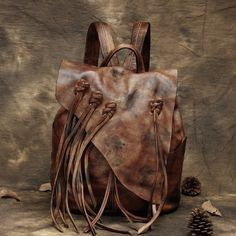 112.80$  Watch now - http://ali3wf.worldwells.pw/go.php?t=32794327107 - 2017 Women Genuine Leather Cowhide Feminine Backpack Retro Bohemian Boho Chic Mini Bucket Fringe Tassel Brown Folk Rucksuck Bags
