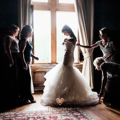 Victoria: natural light bridal prep candid portrait pic from a Chateau de Lisse wedding #chateaudelisse #marrymeinfrance #weddingsinfrance