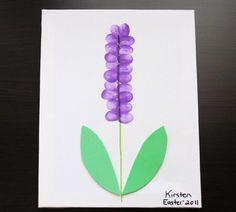 mit kindern basteln lavendel blaetter papier gruen blueten fingerabdruecke