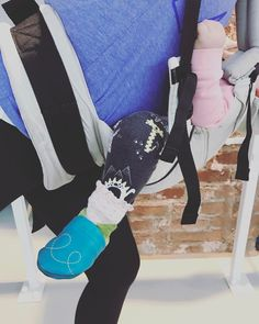 BARRE BABY BARRE BY YOUPILA  #beauties #mamas #sostrong #proud #toughgirls #backtobody #sweaty #90minutes #foryou #barrebabybarre #barrelina #youpilastudiodüsseldorf #goodplaces #goodvibes #trainwithconni #fitgirl #lifestyle #düsseldorf #lovepeacepilates #barrewithbaby #barreworkoutdüsseldorfyoupila #barreworkoutgermany#coolmom #mamafit #fitmom #ballett #barre #pilates #unique #special
