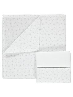 For mopping up those everyday messes, you'll be relying on the muslin squares in this pack of 3. Offering textured white designs and a star print option, eac...
