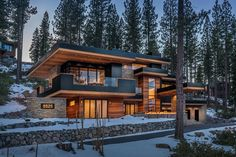 Mountain Home Exterior, Modern Mountain Home, Dream House Exterior, Mountain Homes, Modern House Plans, Modern House Design, Small Lake Houses, Small Modern Houses, Exterior Design