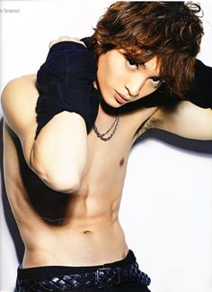 """Kisumai anan """"man body of. """"Is dangerous (/// ∇ //) Yuta Tamamori, How To Look Handsome, Asian Boys, Pose Reference, Male Body, American Indians, Cute Guys, Eye Candy, How To Look Better"""